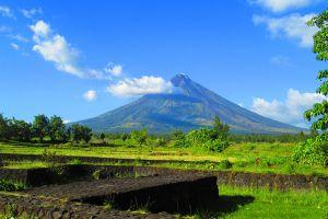 Cagsawa-Ruins-Park-Albay-Philippines-004.jpg