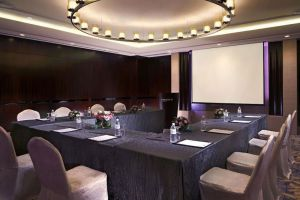 Carlton-Hotel-Marina-Bay-Singapore-Meeting-Room.jpg