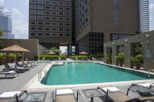 Carlton-Hotel-Marina-Bay-Singapore-Pool.jpg