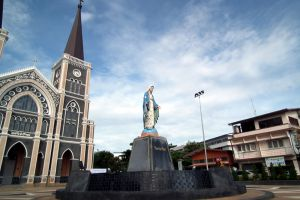 Cathedral-of-the-Immaculate-Conception-Chanthaburi-Thailand-005.jpg