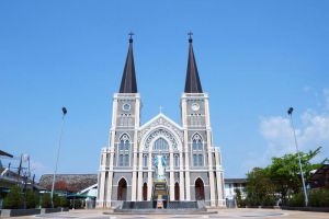 Cathedral-of-the-Immaculate-Conception-Chanthaburi-Thailand-006.jpg