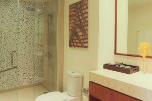 Central-Mansions-Serviced-Apartment-Phnom-Penh-Cambodia-Bathroom.jpg