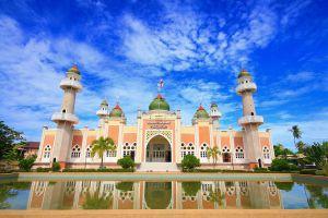 Central-Mosque-Pattani-Thailand-01.jpg