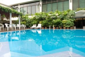 Centre-Hotel-Bangkok-Thailand-Pool.jpg