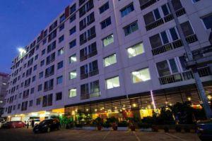 Centric-Place-Hotel-Bangkok-Thailand-Exterior.jpg