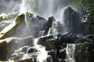 Cha-Ong-Waterfall-Ratanakiri-Cambodia-001.jpg