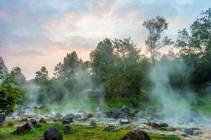 Chae-Son-National-Park-Lampang-Thailand-003.jpg