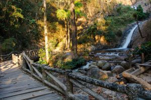 Chae-Son-National-Park-Lampang-Thailand-005.jpg