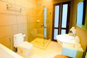 Chalay-Monta-Resort-Hua-Hin-Thailand-Bathroom.jpg