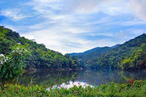 Chaloem-Phrakiat-Thai-Prachan-National-Park-Ratchaburi-Thailand-02.jpg