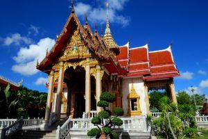 Chalong-Temple-Phuket-Thailand-002.jpg