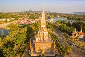 Chalong-Temple-Phuket-Thailand-004.jpg