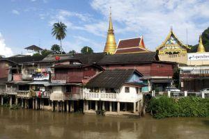 Chanthaboon-Waterfront-Community-Chanthaburi-Thailand-01.jpg