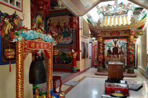 Chao-Pho-Mae-Klong-Shrine-Samut-Songkhram-Thailand-03.jpg