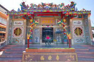 Chao-Por-Chao-Mae-Na-Pha-Shrine-Nakhon-Sawan-Thailand-06.jpg