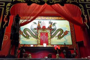 Chao-Por-Thepharak-Chao-Mae-Thapthim-Shrine-Nakhon-Sawan-Thailand-03.jpg