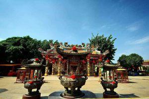 Chao-Pu-Ya-Shrine-Udonthani-Thailand-04.jpg