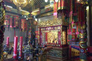 Chao-Pu-Ya-Shrine-Udonthani-Thailand-06.jpg