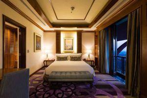 Chatrium-Hotel-Royal-Lake-Yangon-Myanmar-Room.jpg