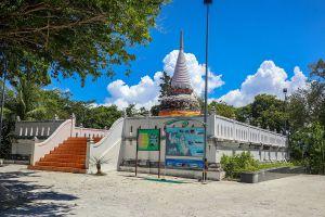 Chedi-Pakarang-Coral-Pagoda-Nakhon-Si-Thammarat-Thailand-01.jpg