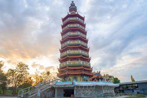 Cheen-Pracha-Samosorn-Temple-Wat-Leng-Hok-Yi-Chachoengsao-Thailand-01.jpg