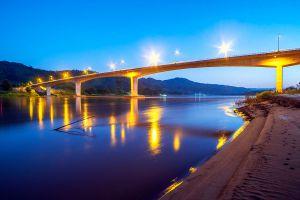 Chiang-Khong-Huay-Xai-Friendship-Bridge-Chiang-Rai-Thailand-01.jpg