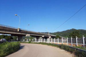 Chiang-Khong-Huay-Xai-Friendship-Bridge-Chiang-Rai-Thailand-02.jpg