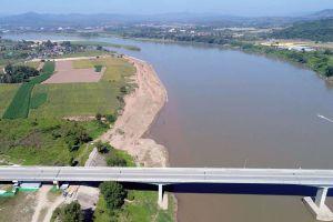 Chiang-Khong-Huay-Xai-Friendship-Bridge-Chiang-Rai-Thailand-05.jpg