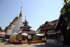 Chiang-Mai-Old-City-Thailand-04.jpg