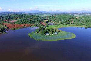 Chiang-Saen-Lake-Chiang-Rai-Thailand-01.jpg