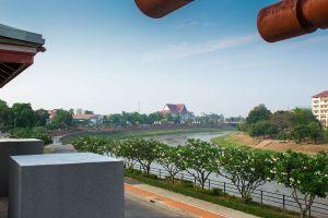 Chom-Nan-Chaloem-Phrakiat-Public-Park-Phitsanulok-Thailand-04.jpg