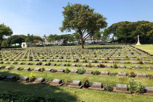 Chong-Kai-War-Cemetery-Kanchanaburi-Thailand-03.jpg