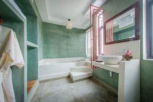 Chronicle-Angkor-Hotel-Siem-Reap-Cambodia-Bathroom.jpg
