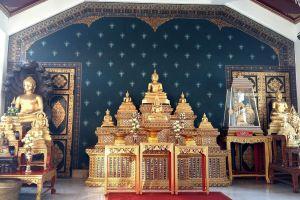 City-Pillar-Shrine-Bangkok-Thailand-05.jpg