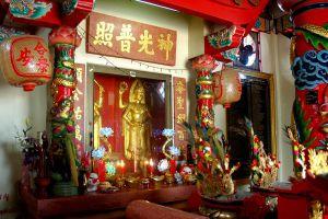 City-Pillar-Shrine-San-Lak-Muang-Suphan-Buri-Thailand-05.jpg