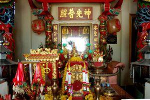 City-Pillar-Shrine-San-Lak-Muang-Suphan-Buri-Thailand-06.jpg