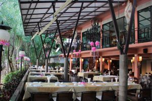 Come-Dara-Restaurant-Chiang-Mai-Thailand-002.jpg
