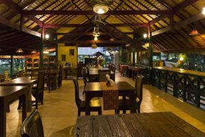 Country-Lake-Nature-Lodge-Hotel-Nakhon-Sawan-Thailand-Restaurant.jpg