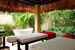 Crimson-Resort-Spa-Mactan-Cebu-Philipinnes-Massage.jpg