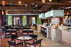 Crowne-Plaza-Galleria-Hotel-Manila-Philippines-Restaurant.jpg