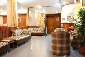 Crystal-Palace-Hotel-Yangon-Myanmar-Lobby.jpg