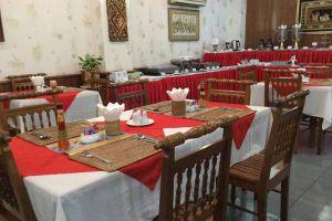 Crystal-Palace-Hotel-Yangon-Myanmar-Restaurant.jpg