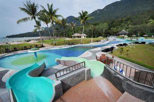 Damai-Puri-Resort-Spa-Kuching-Family-Pool.jpg