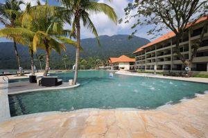 Damai-Puri-Resort-Spa-Kuching-Sarawak-Pool.jpg