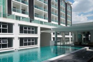 Damas-Suites-Residences-Kuala-Lumpur-Malaysia-Pool.jpg
