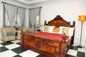 Delux-Villa-Battambang-Cambodia-Room.jpg