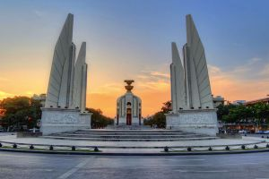 Democracy-Monument-Bangkok-Thailand-003.jpg