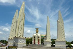 Democracy-Monument-Bangkok-Thailand-005.jpg