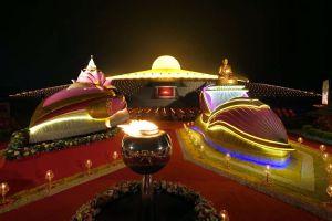Dhammakaya-Temple-Pathumthani-Thailand-06.jpg