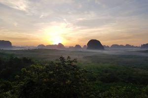 Din-Daeng-Doi-Viewpoint-Krabi-Thailand-01.jpg